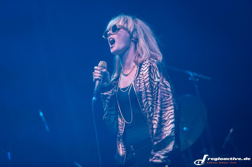 The Asteroids Galaxy Tour (live beim Southside Festival 2014)