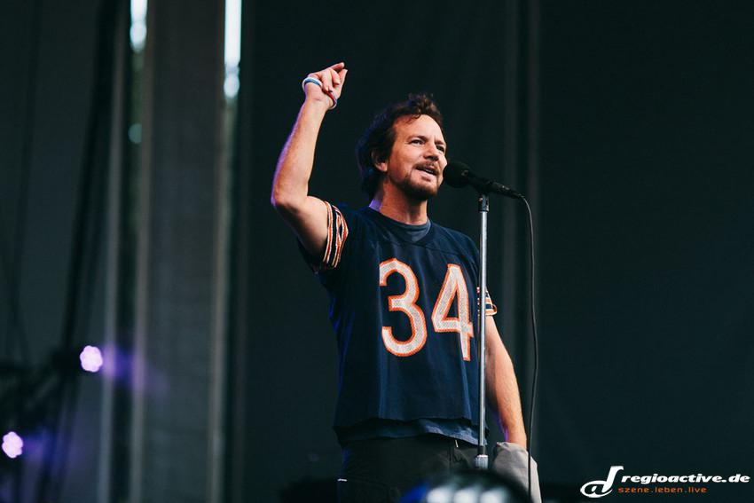 Pearl Jam (live in Berlin, 2014)